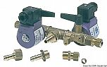 Elettrorubinetto doppio con comando a distanza più comando manuale sui rubinetti per collegare due serbatoi ad un motore